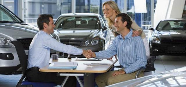 venditore concessionaria auto
