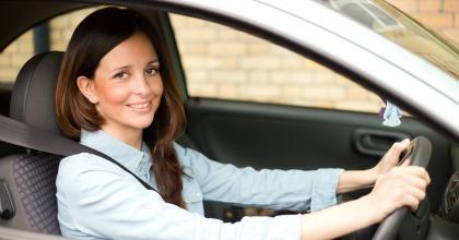 Donne e automobile, un matrimonio sempre più stretto