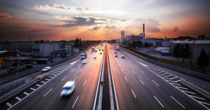 Mercato auto: primo trimestre in frenata, ma il 2018 sarà stabile