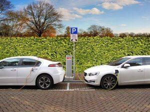 analisi mercato auto giugno 2020: crescono le auto elettriche e ibride