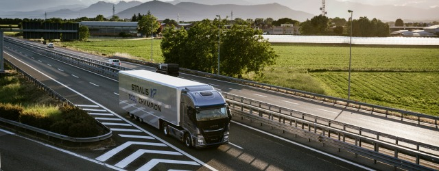 Veicoli commerciali truck Iveco Stralis