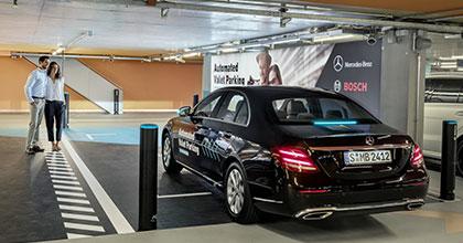 Al museo Mercedes di Stoccarda le auto si parcheggeranno da sole
