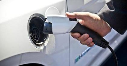 futuro auto elettriche concessionari