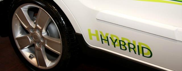 auto ibride e alimentazioni alternative guidano la classifica delle auto più noleggiate su Hurry