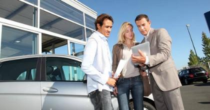 """Dal """"ferro"""" al servizio: evoluzione della vendita dell'auto"""