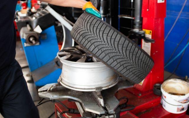 Perché è importante cambiare gli pneumatici?
