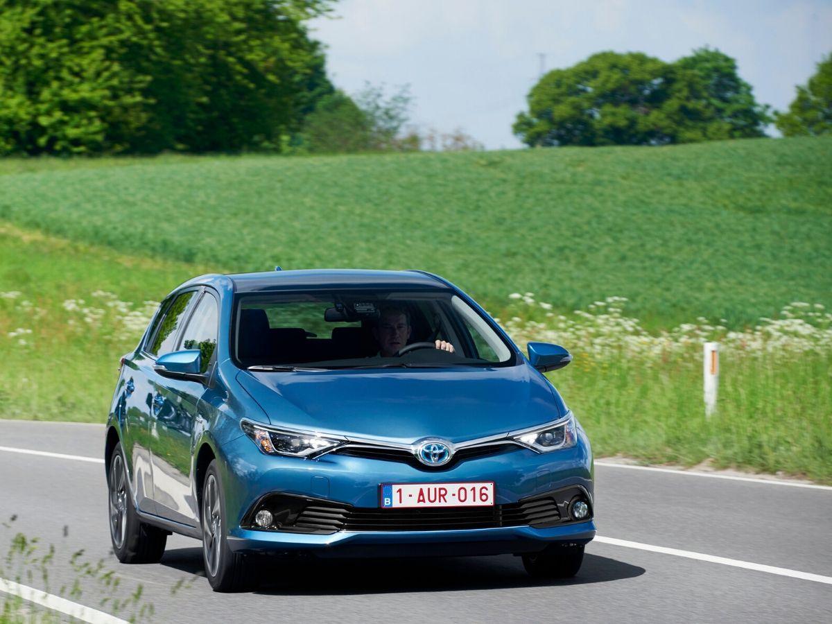 Toyota Auris è l'ibrido che gli italiani cercano più spesso