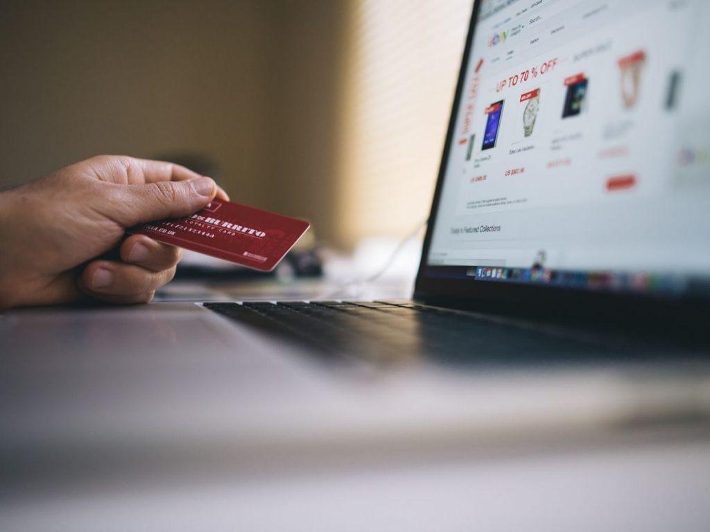 L'e-commerce delle auto diventerà una nuova frontiera per i concessionari?