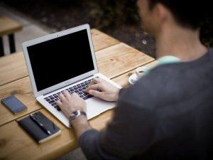 Di che cosa si occupa il digital manager?