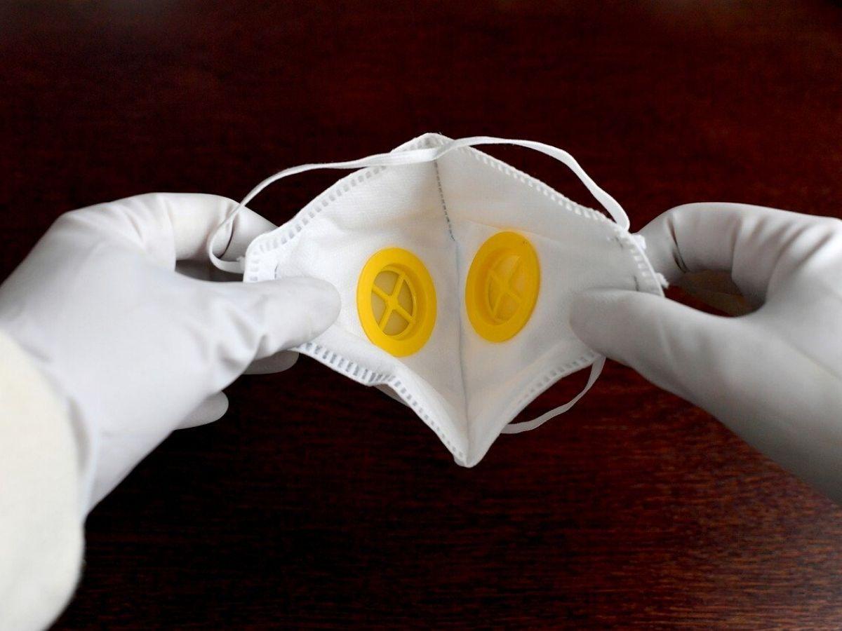 Le Case auto convertono la produzione per realizzare mascherine e respiratori