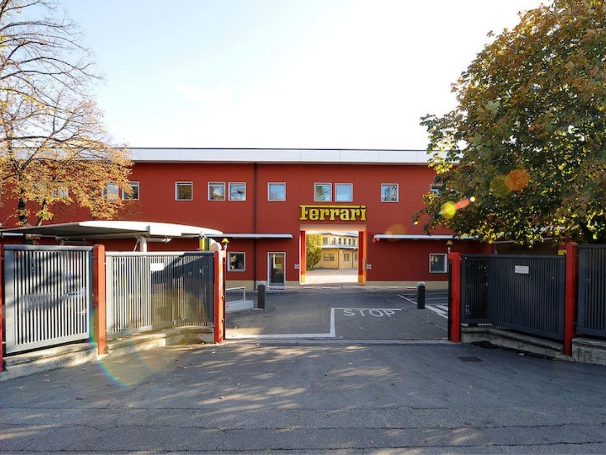 Ferrari sospende la produzione per l'emergenza Coronavirus