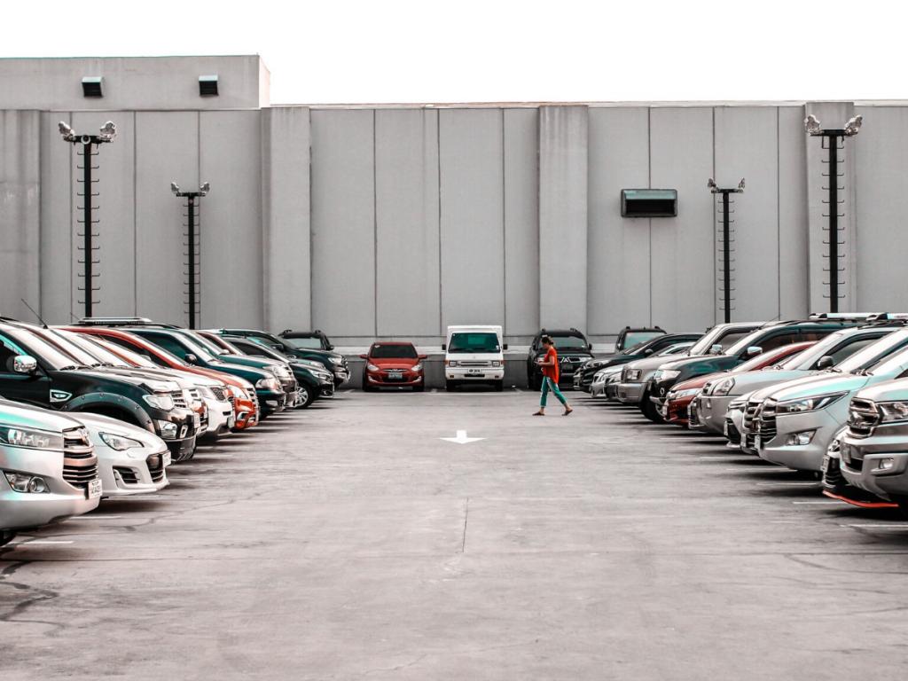 Cosa ci ha insegnato il difficile andamento del mercato auto di aprile