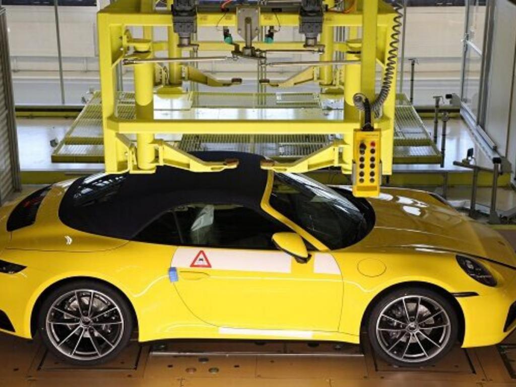 My Porsche mostra ai clienti la costruzione in diretta dell'auto ordinata