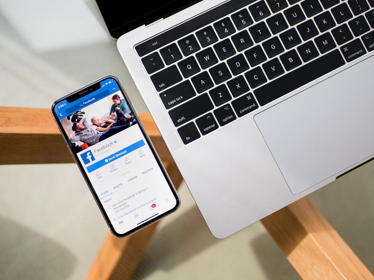strumenti facebook per dealer