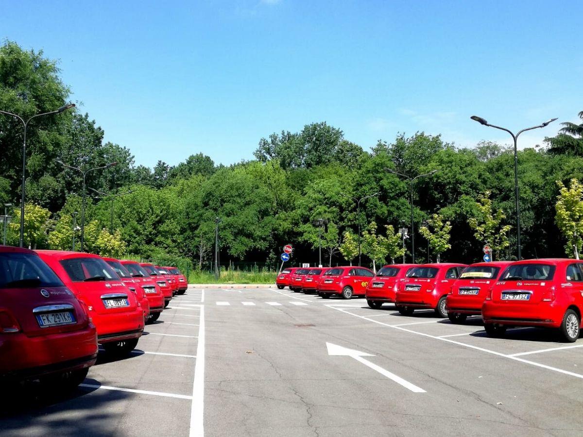 Studio Aniasa-Bain & Company: diminuisce l'uso del car sharing