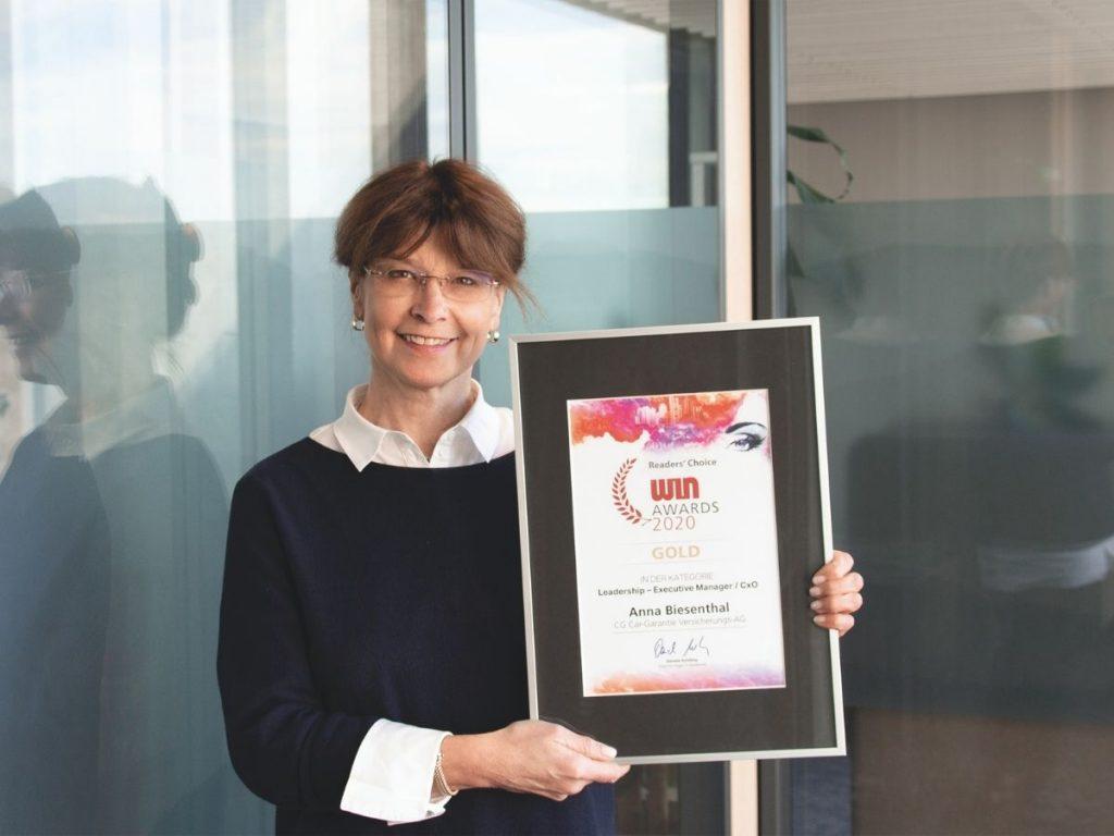 Anna Biesenthal di CarGarantie vince l'oro ai WIN Awards 2020