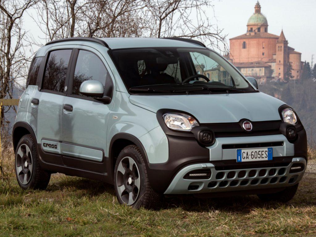 Le 10 auto più vendute nel 2020 in Italia: domina il Gruppo FCA