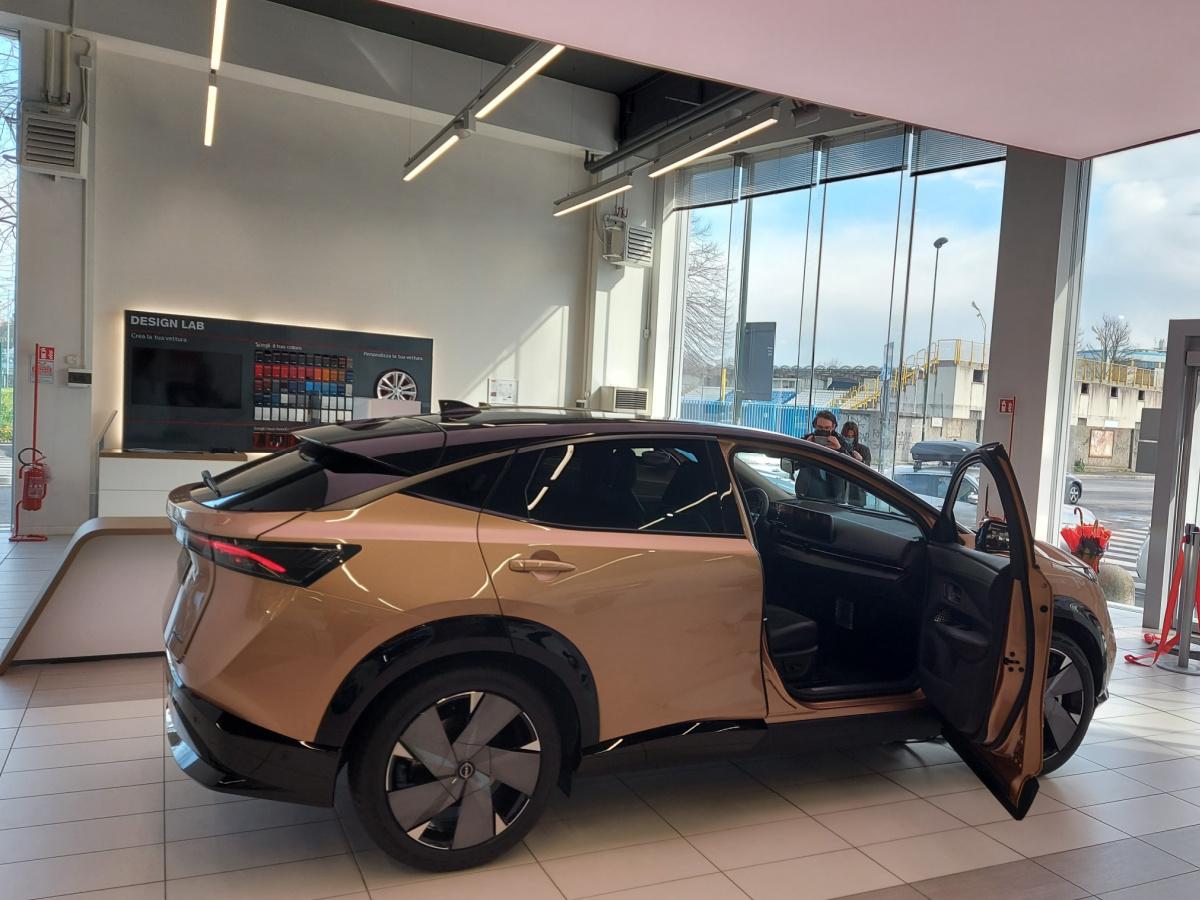 Retro nuova Nissan Ariya