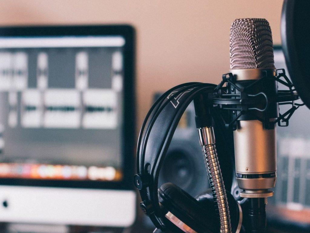 Podcast: come usarli per promuovere la concessionaria