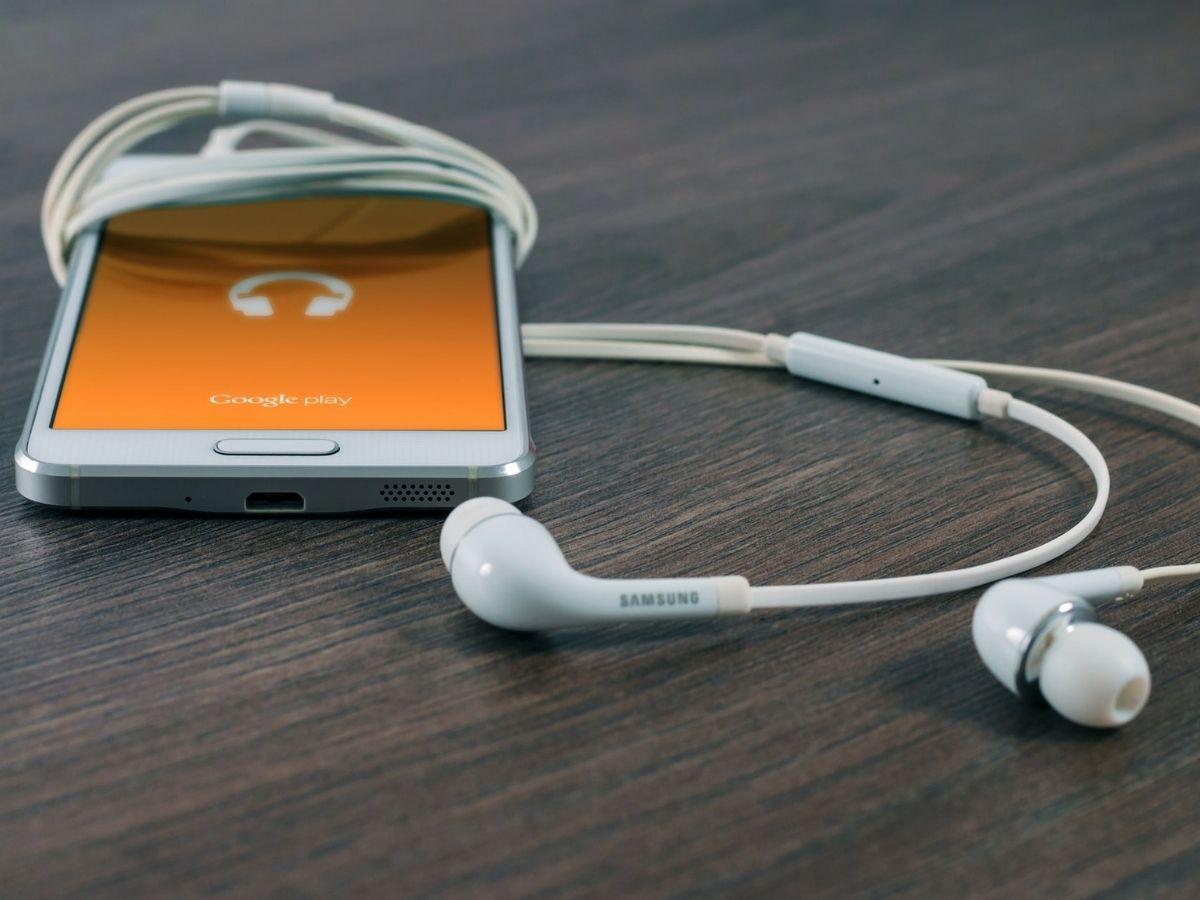 branded-podcast-dealer