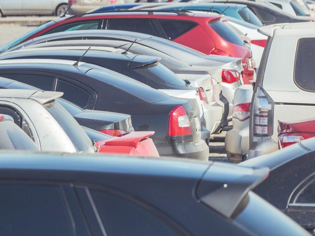 Mercato auto in discesa: -32% a settembre